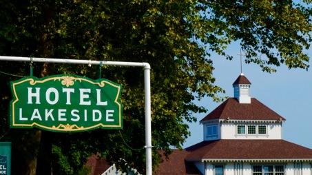 Hotel Lakeside sign and dockside pavilion.